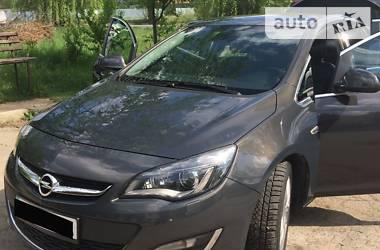 Характеристики Opel Astra J Седан