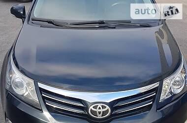 Характеристики Toyota Avensis Седан