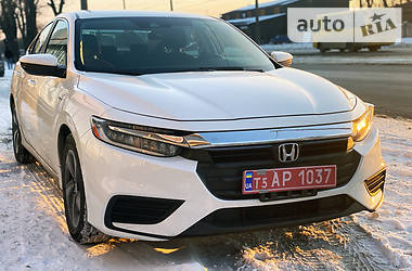 Характеристики Honda Insight Седан