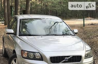 Характеристики Volvo S40 Седан