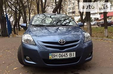 Характеристики Toyota Yaris Седан