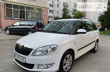 Skoda Fabia Super Stan  66 KB  2014