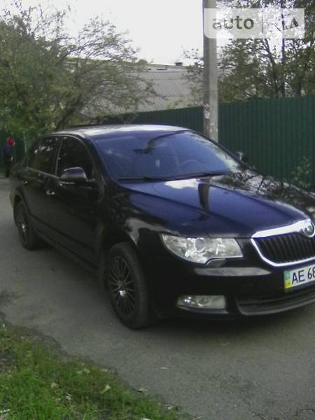 Skoda Superb 2011 года