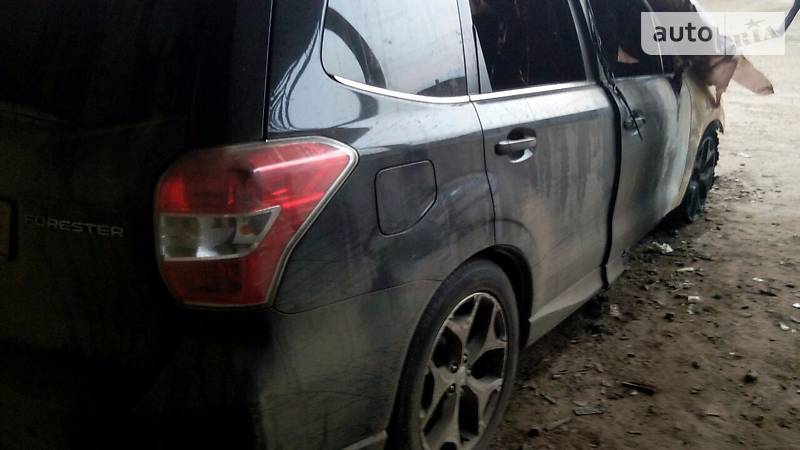 Subaru Forester 2014 року