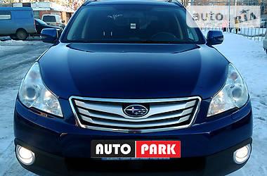 Subaru Outback 2.5  2010