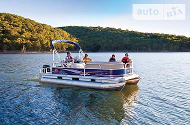 Sun Tracker Party Barge 18 DLX 2016