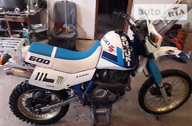 Suzuki DR   1990