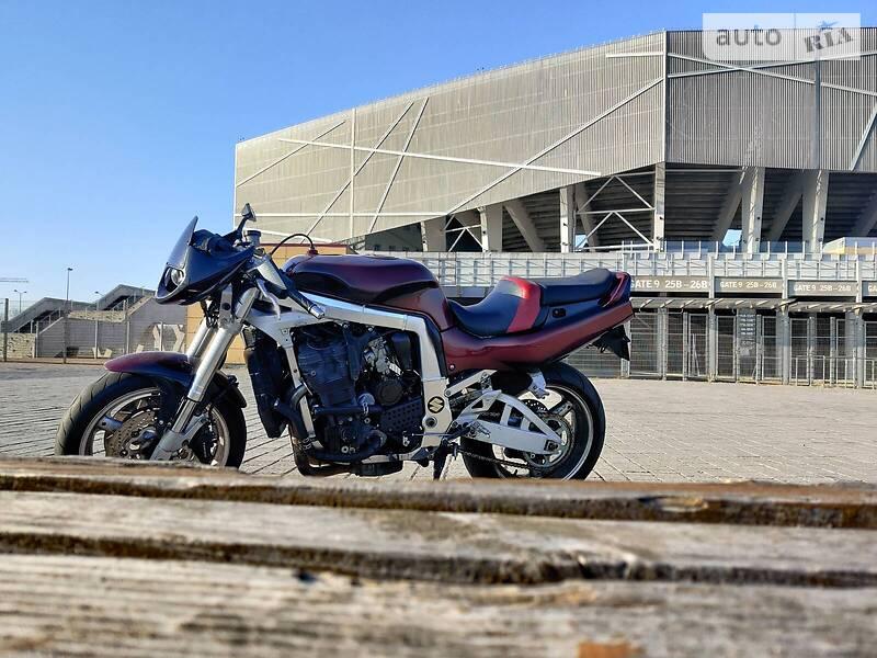 Мотоцикл Без обтекателей (Naked bike) Suzuki GR