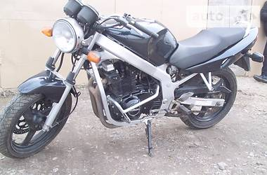 Suzuki GS  2003