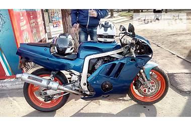 Suzuki GSX-R 400см 1999