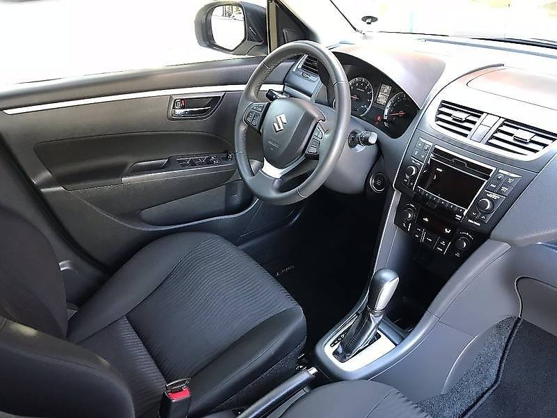 Suzuki Swift 2011 року