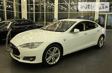 Tesla Model S 85 kWh 2016