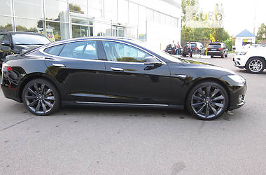 Tesla Model S P85D Performance 2015