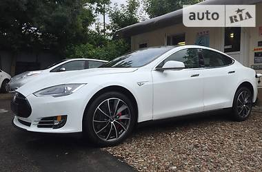Tesla Model S P85D 4WD 2015