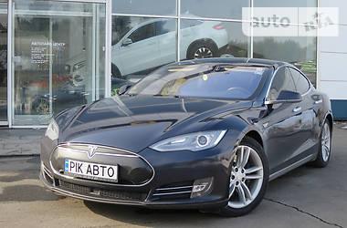 Tesla Model S 85D kWh 2015