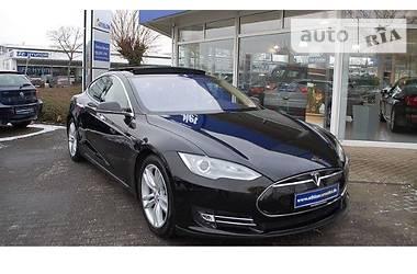 Tesla Model S Europa Panor  2014
