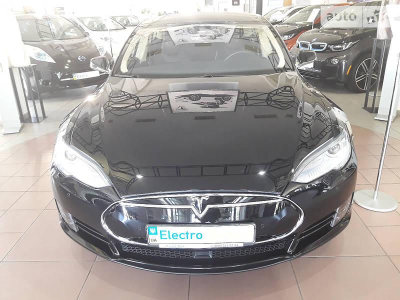 Tesla Model S 2015 года