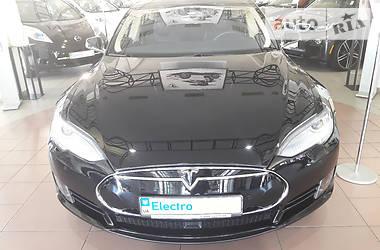 Tesla Model S 70D 2015