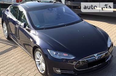 Tesla Model S 85D AutPilot Panoram 2015