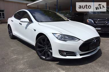 Tesla Model S 70d 4-WD 2015