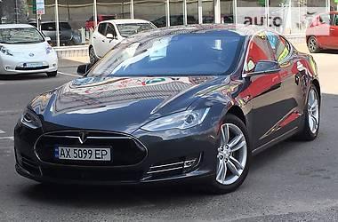 Tesla Model S S 85 D 2015
