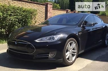 Tesla Model S P90 2015