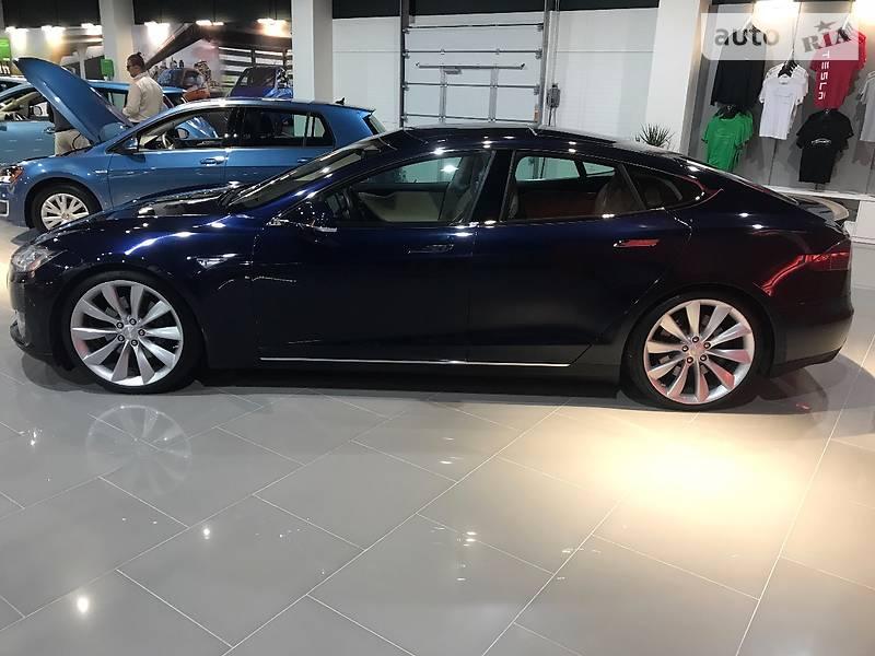 Tesla Model S 2013 року
