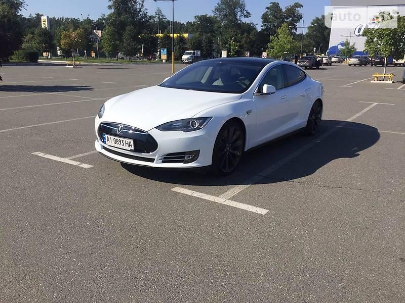 Tesla Model S 2014 года