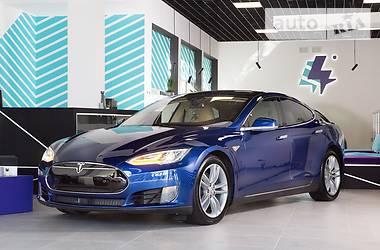 Tesla Model S 90D 2015