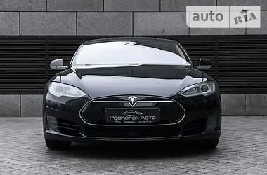Tesla Model S 90d 2016