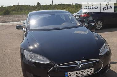 Tesla Model S P85 2013