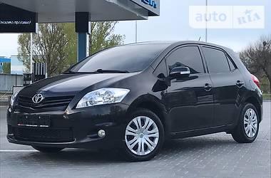 Toyota Auris  2011
