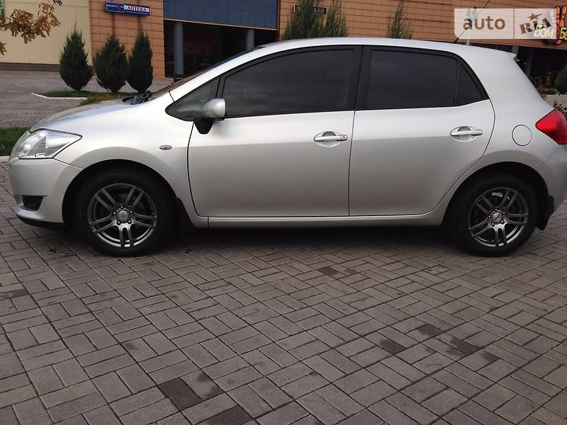 Toyota Auris 2007 года