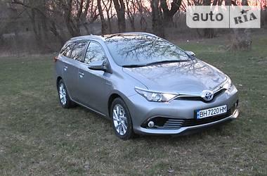 Toyota Auris Touring Sports  2016