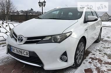 Toyota Auris 1.8 HYBRID 2013