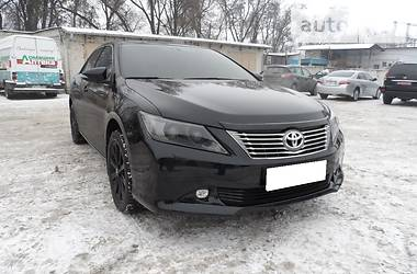 Toyota Camry Lux 2012