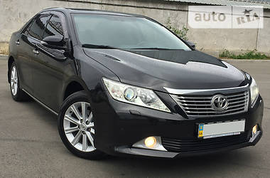 Toyota Camry LUX 2014