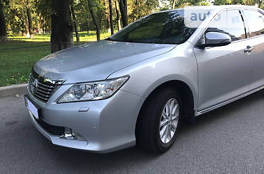 Toyota Camry Premium 2.5 2013
