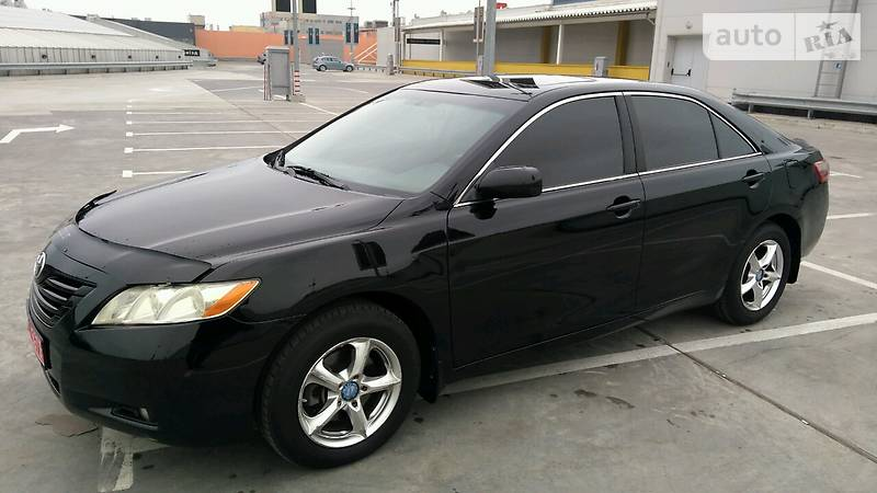 Toyota Camry 2006 года
