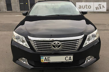 Toyota Camry 2.5i Official 2014