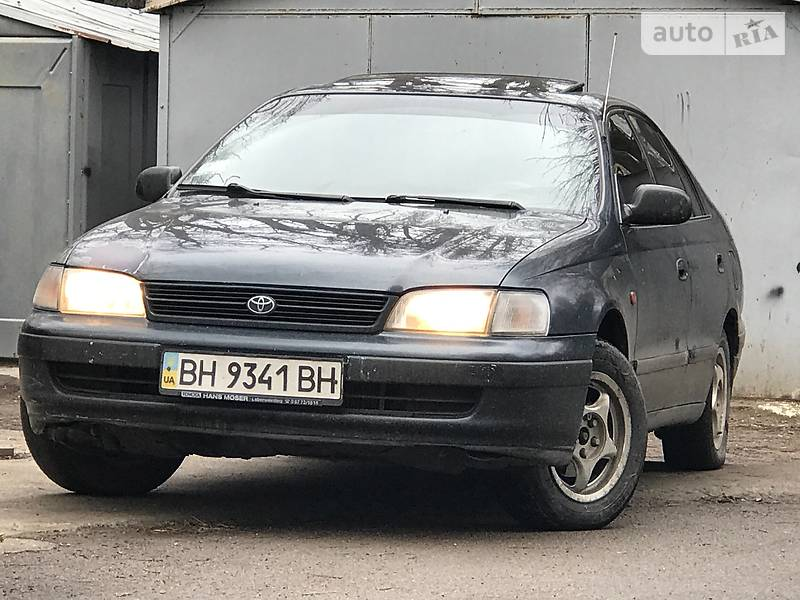 Toyota Carina E 1996 року