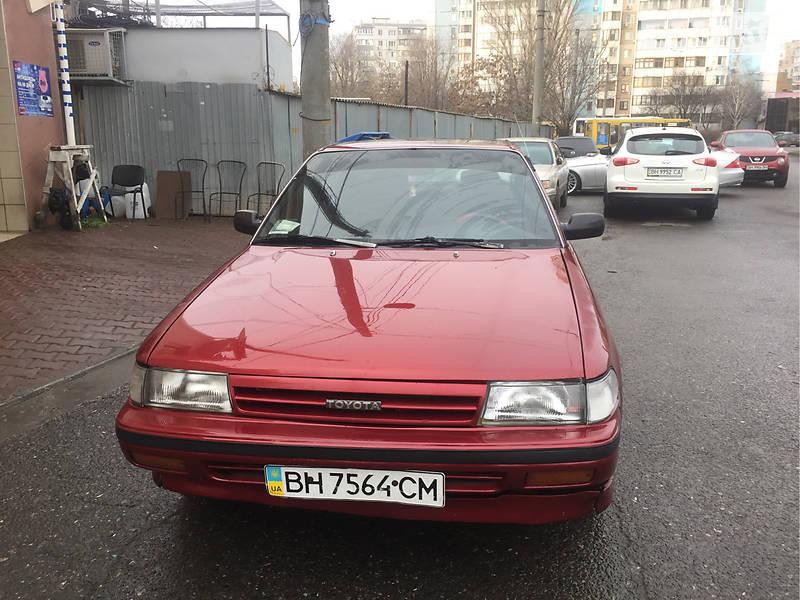 Toyota Carina 1991 року