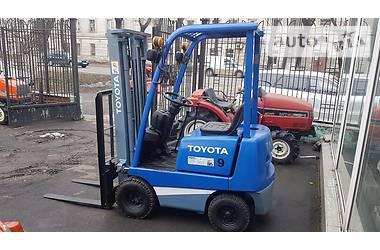 Toyota FG 9 2001