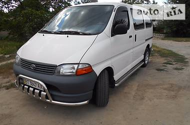 Toyota Hiace пасс.  2002