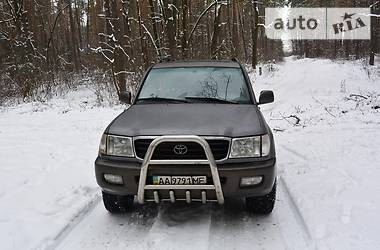 Toyota Land Cruiser 100  1998