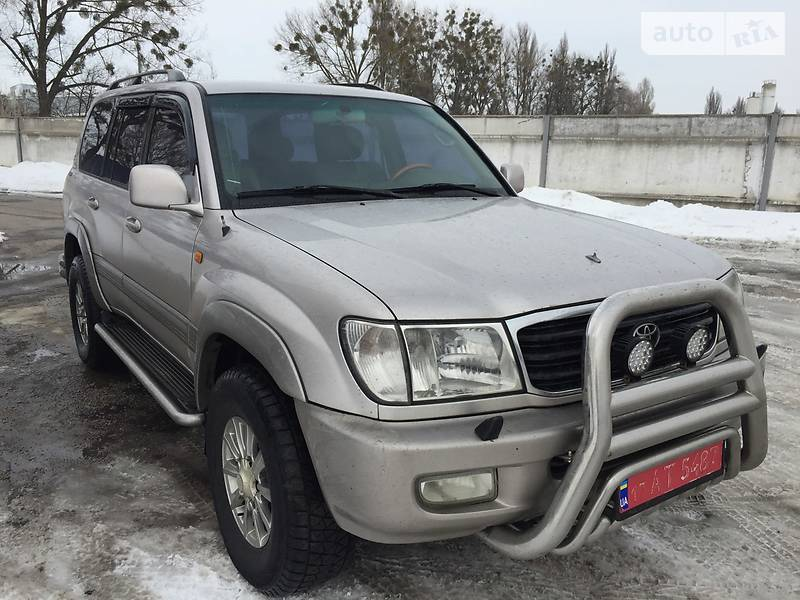 Toyota Land Cruiser 2001 року