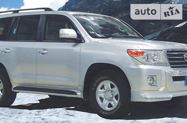 Toyota Land Cruiser 200  В6 2014