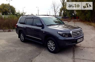 Toyota Land Cruiser 200  2011