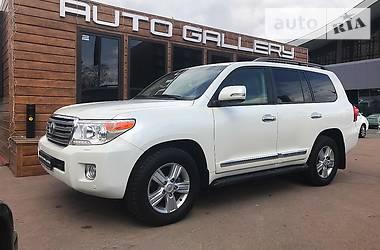 Toyota Land Cruiser 200 7 мест 2014