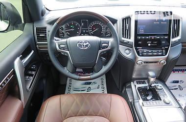 Toyota Land Cruiser 2017 года